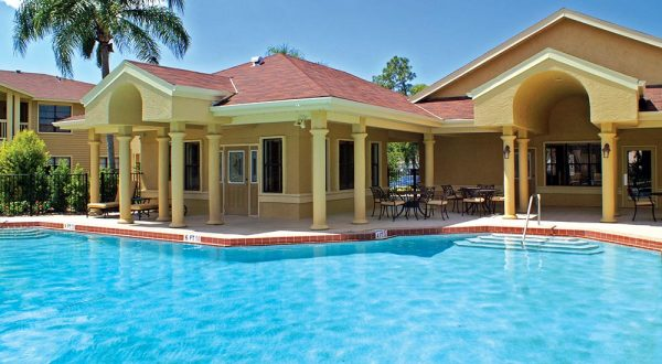 resort-style-pool-and-expansive-aqua-deck