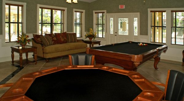 clubhouse-with-billiard-table-in-game-room